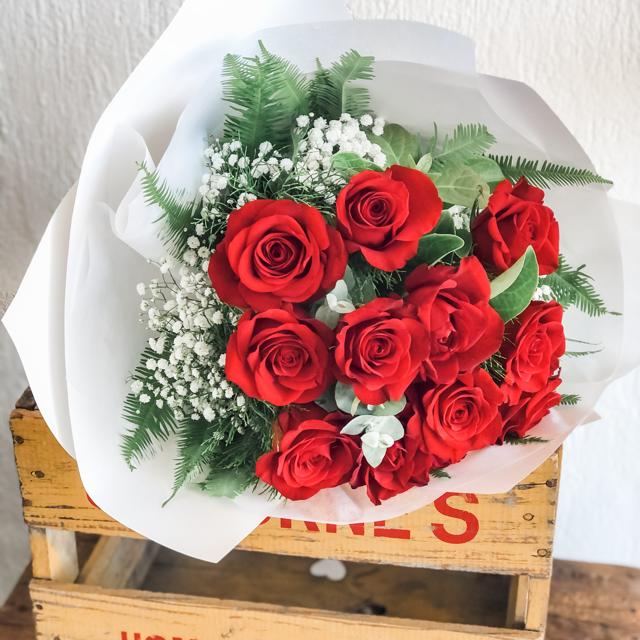 12 Red Roses Hervey Bay