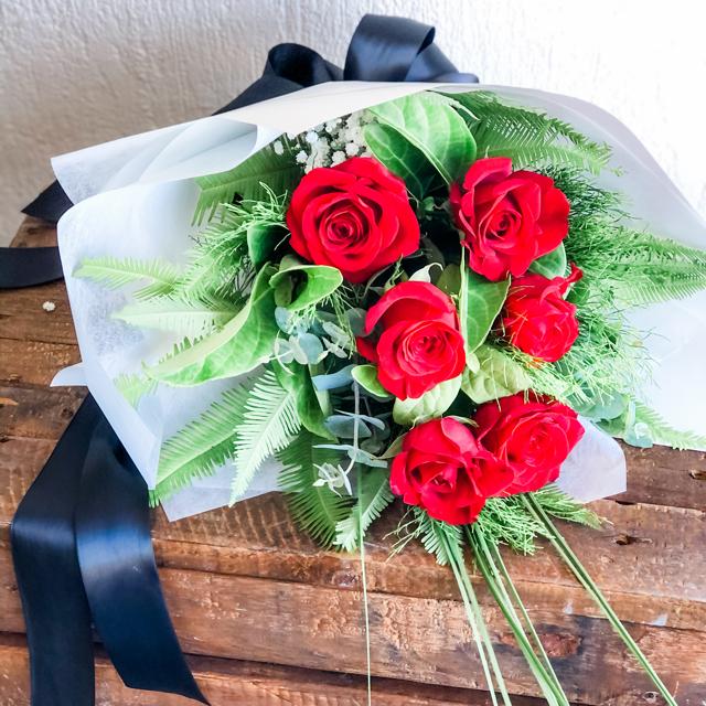 6 Red Roses Hervey Bay