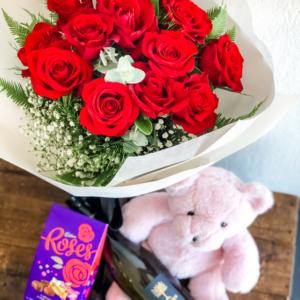 Roses Teddy Chocs Wine